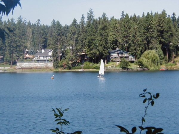 North idaho real estate price reduction on 1 acre avondale for Avondale lake house