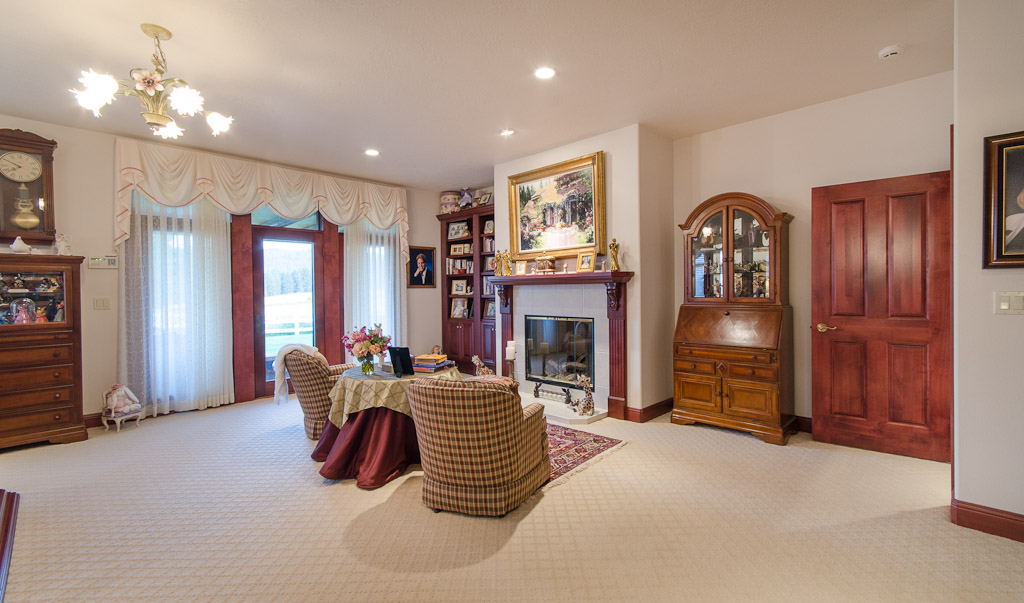 17 Master Fireplace & Private Deck