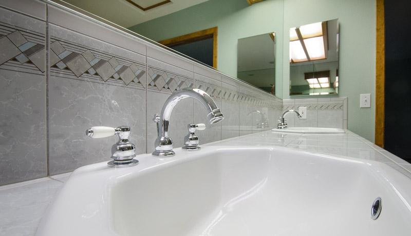 27 Master bath fixtures