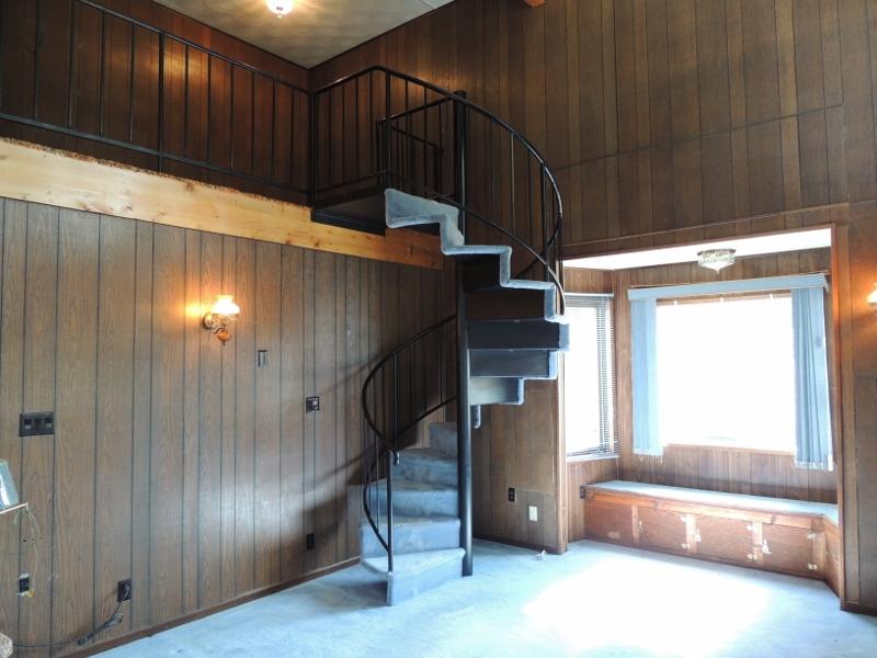 06 Spiral Staircase