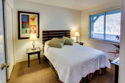 07 Bedroom
