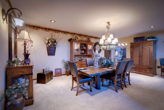 29201 N Hindman St Athol ID-small-021-18-Dining Room-666x446-72dpi