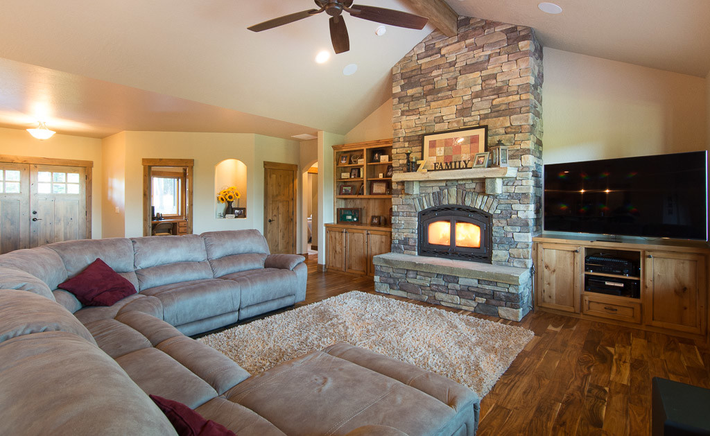 11-Great Room fireplace-built-in entertainment