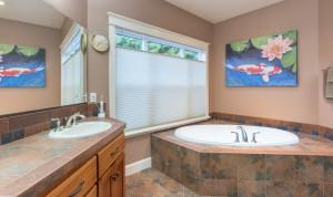 11- Master Bath-Garden Tub